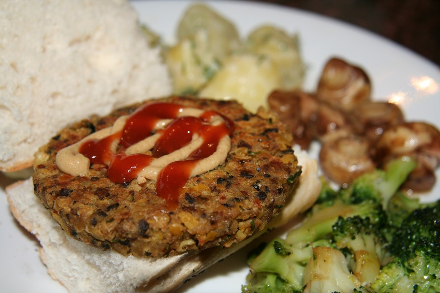Spicy mushroom & chickpea burgers